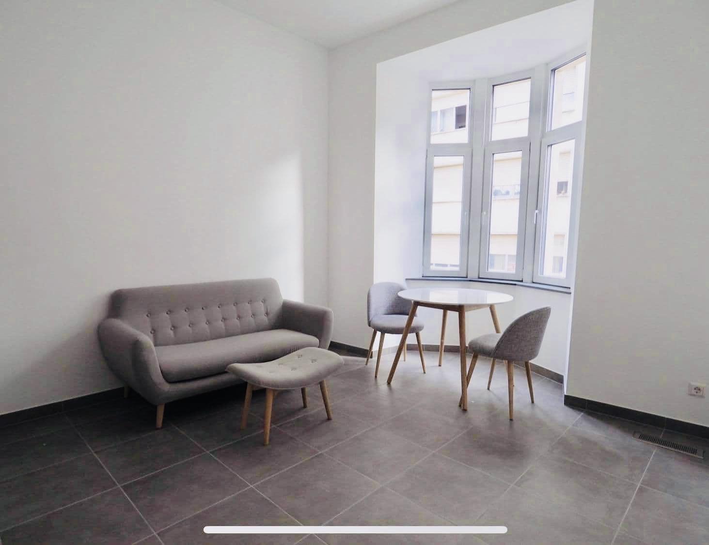 Esch-Sur-Alzette: Studio meublé